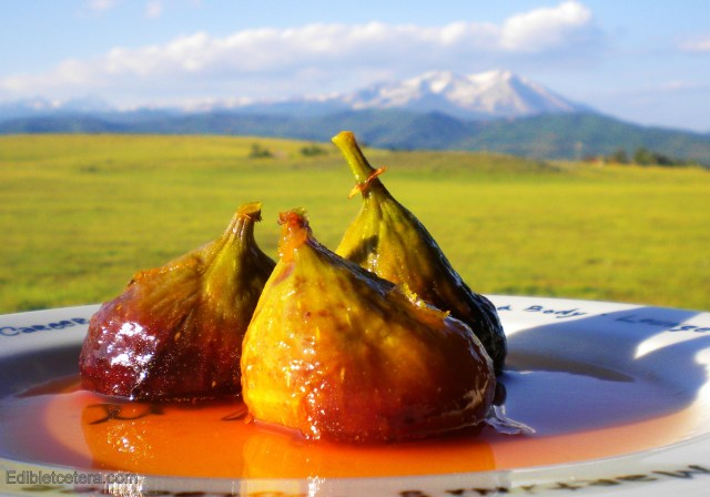 BLOG, Figs poached in cardamom, orange and rosewater