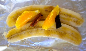 BLOG uncooked BBQ bananas in foil 050