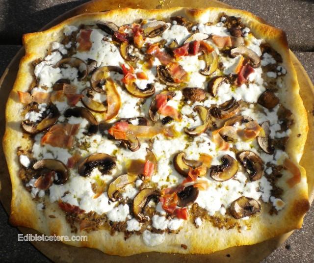BLOG Mushroom prosciutto pizza with mozzarella and truffle oil 007
